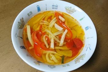 夏野菜の酸辛スープ